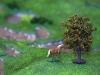 A lovak szeretik az almmát. A fák és állatok szabadon mozgathatók a maketten, mert mágnesesek.