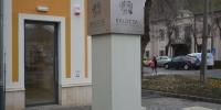 A látogatóközpont tájékoztató táblája