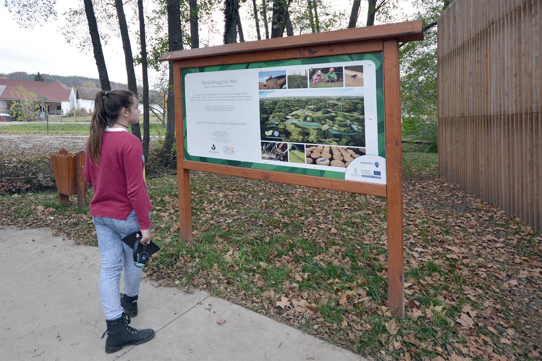 További turisztikai információk a bejáratnál