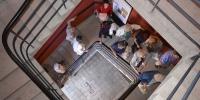 Az északi lépcsőház része a kiállításnak.
