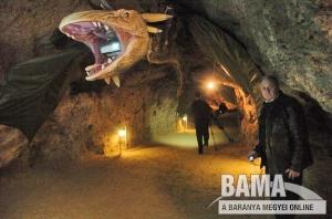 Sárkány a Tettye-barlangban